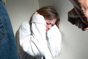 علل بروز خشونت خانگی